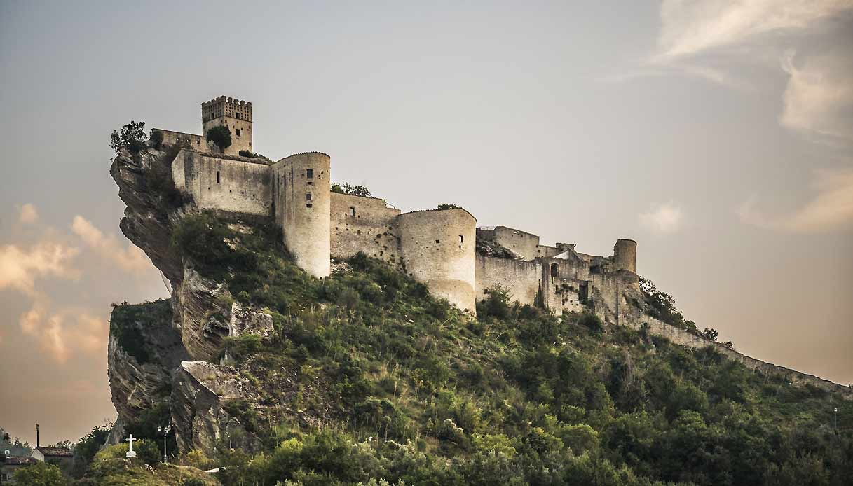 http://www.viaggiavventurenelmondo.it/immagini/AbruzzoM&M.jpeg