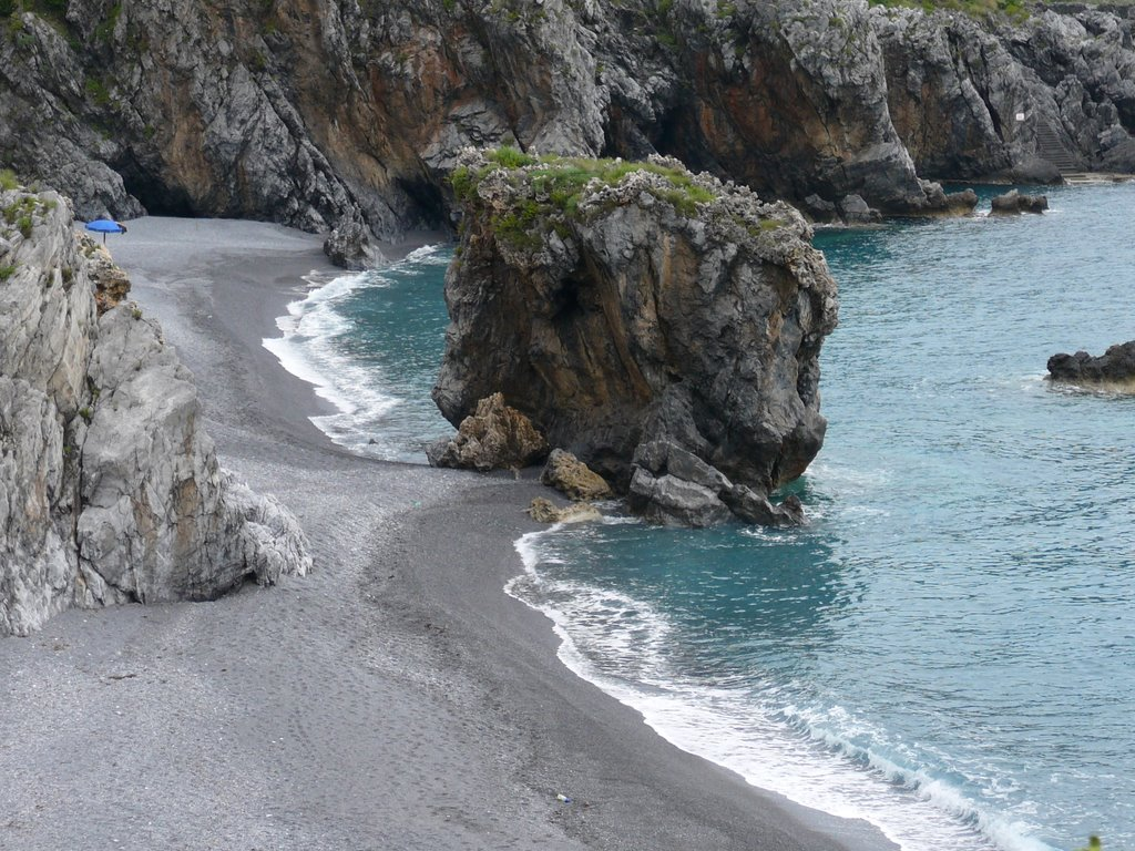 http://www.viaggiavventurenelmondo.it/immagini/basilicatacoast1.jpg
