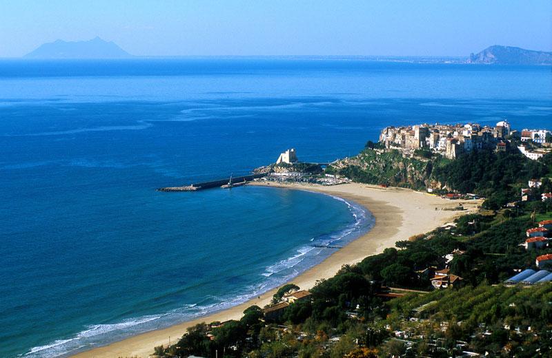 http://www.viaggiavventurenelmondo.it/immagini/benvenutinellazio4.jpg