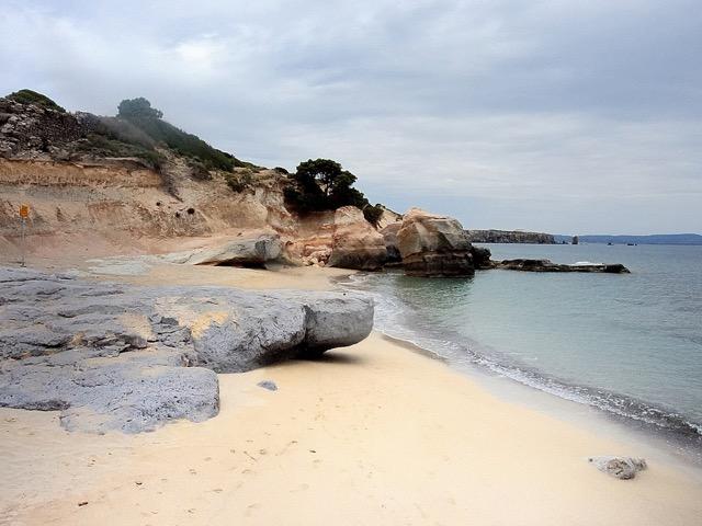 http://www.viaggiavventurenelmondo.it/immagini/carloforte5.jpeg