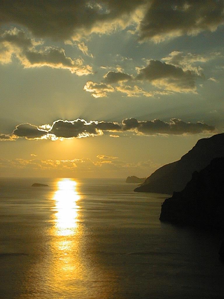 http://www.viaggiavventurenelmondo.it/immagini/costiera.jpg