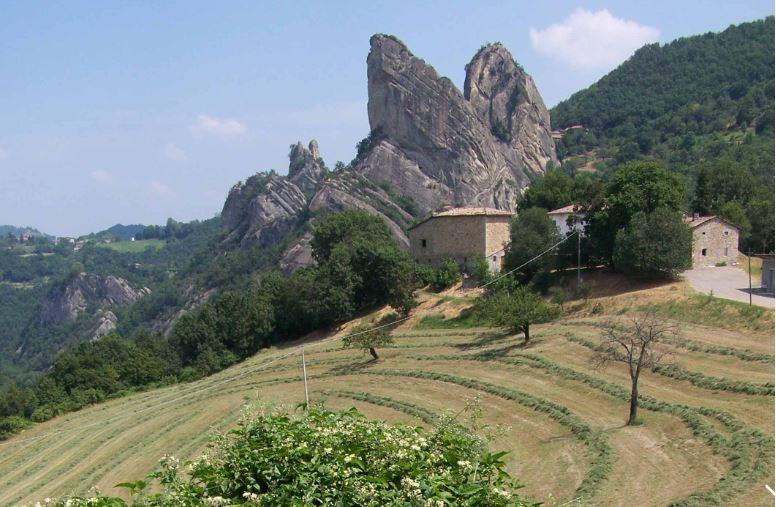 http://www.viaggiavventurenelmondo.it/immagini/wine.jpg